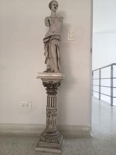 estatua de venus de milo , 135cm de altura