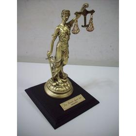 Estatua Mujer De La Justicia En Resina Muy Bonita