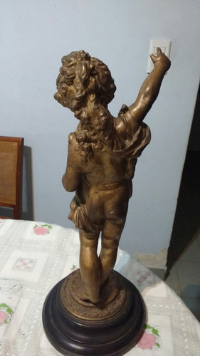 estatua petit bronce antigua
