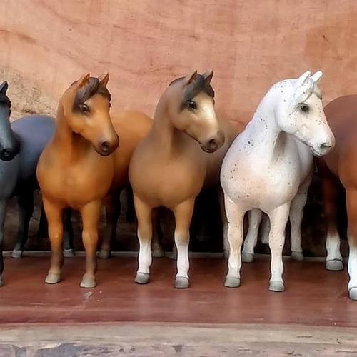 estatueta cavalo crioulo  sob encomenda escolha pelagem