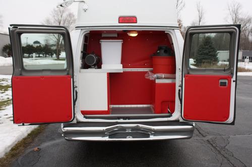 estética móvil ford e-350 super duty