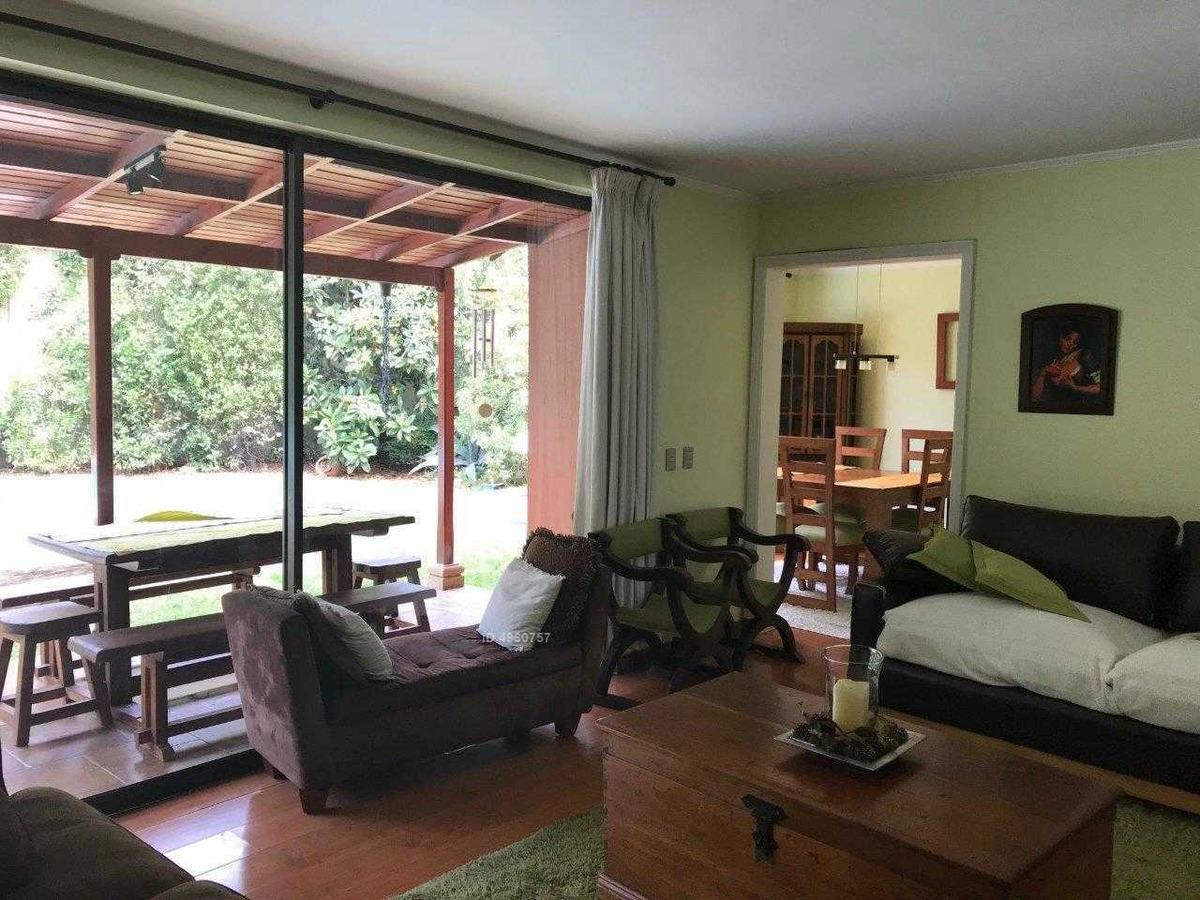 estilo chilena, funcionales espacios y equipamiento