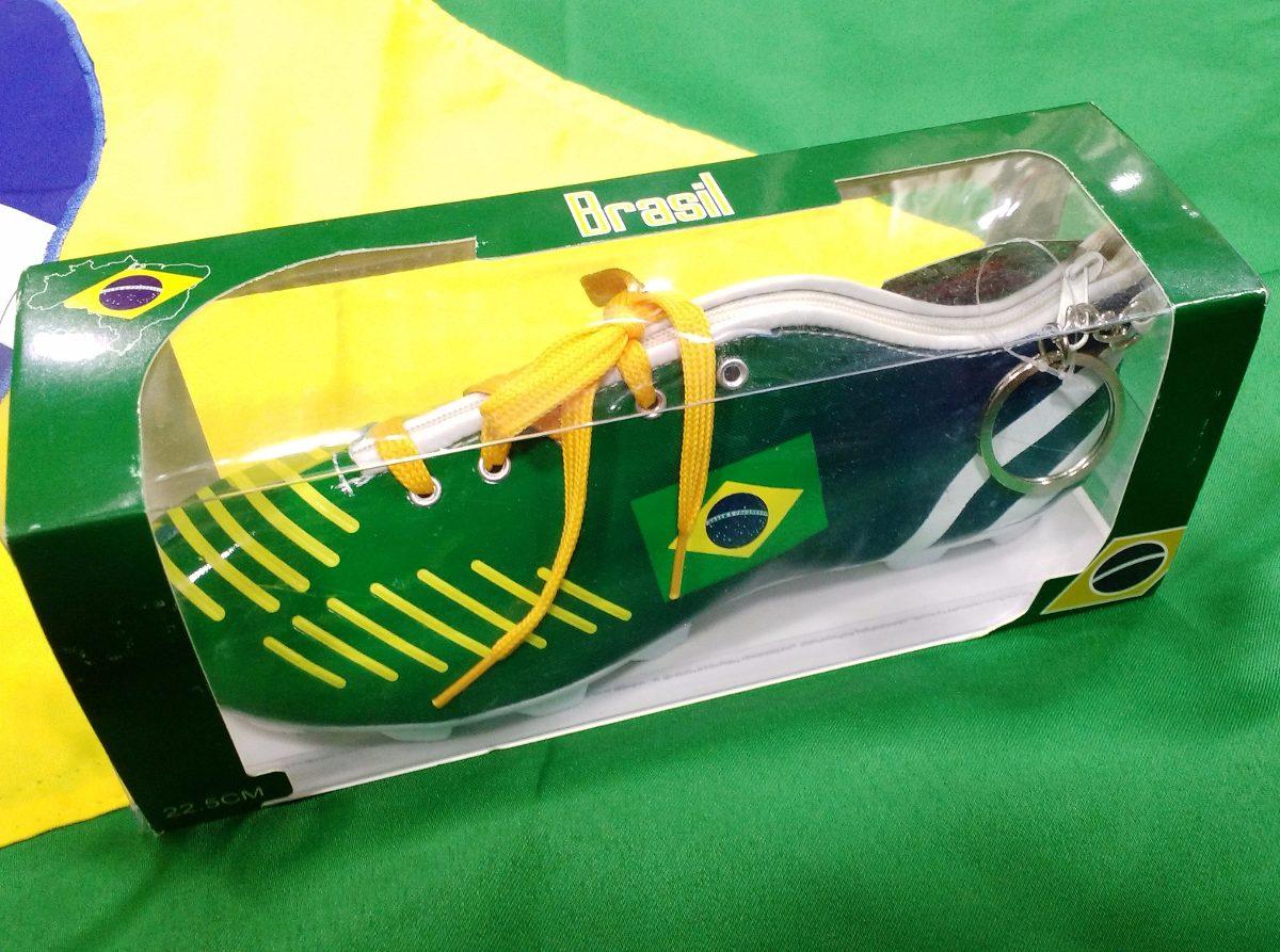 estojo chuteira brasil bandeira futebol lindo souvenir. Carregando zoom. 59c41459a0c24