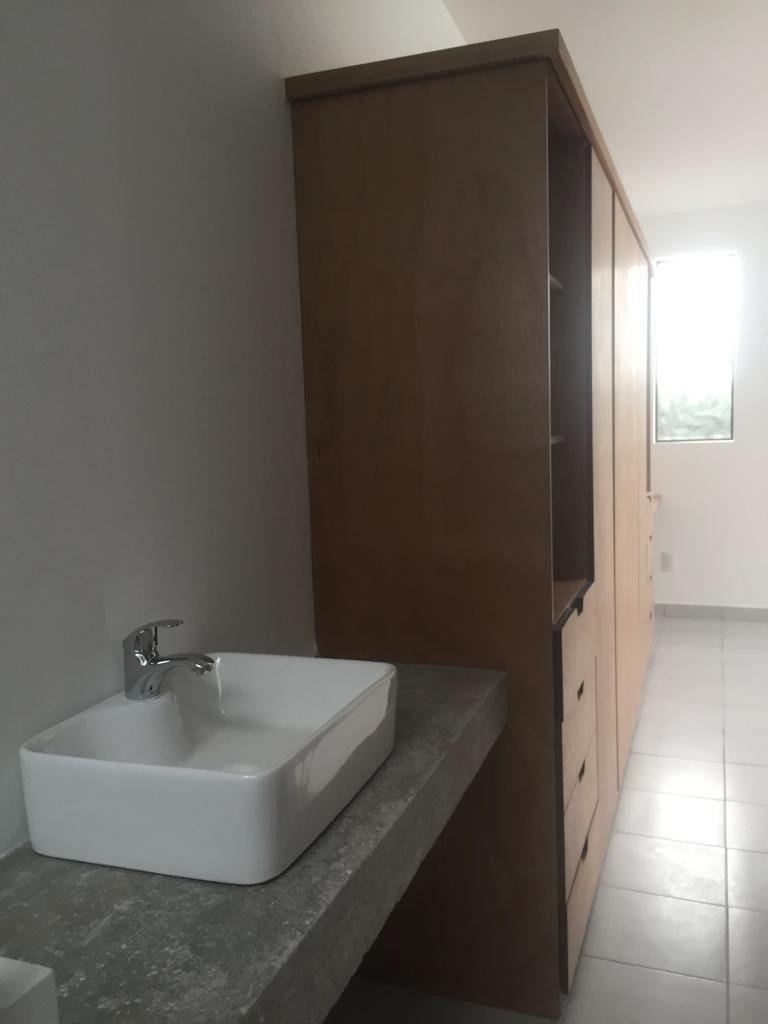 estrena casa en ciudad maderas, 3 recamaras, 3.5 baños, estudio, roof garden !!