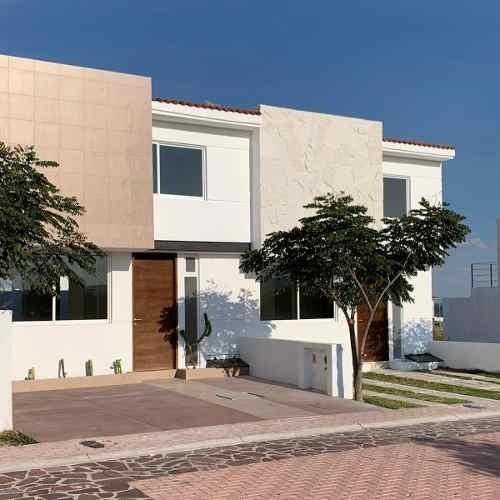 estrena casa en ciudad maderas, 3 recamaras, jardín, alberca, cocina en granito