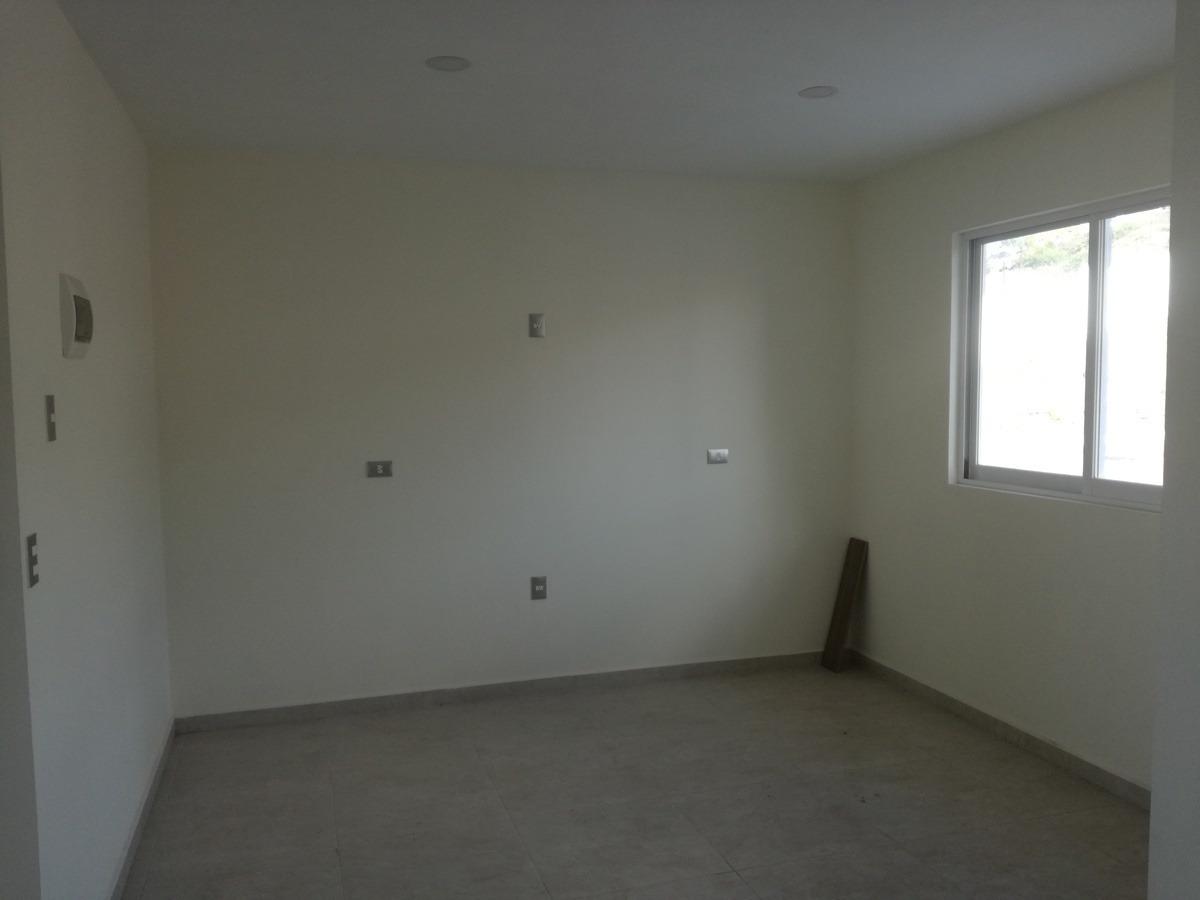 estrena casa en pedregal de schoenstatt, 3 recámaras, alberca, 2.5 baños, lujo