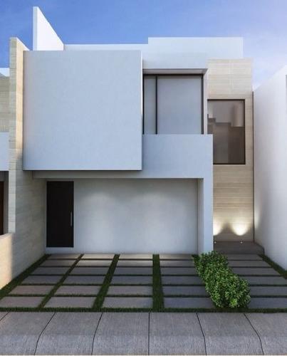 estrena casa en privada con alberca y jardines.