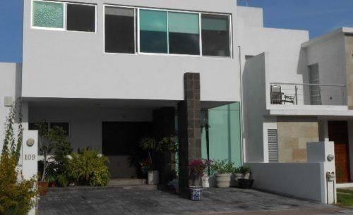 estrena hermosa casa en el refugio, 3 recámaras, jardín...