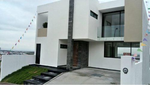 estrena hermosa casa ubicada en colinas de juriquilla !!