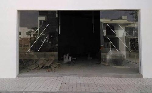 estrena hermoso local comercial de 8 metros de frente en milenio iii