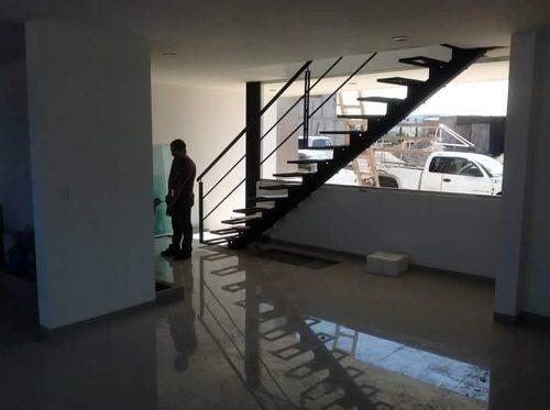 estrena ya tu nueva casa en milenio iii, de oportunidad !!
