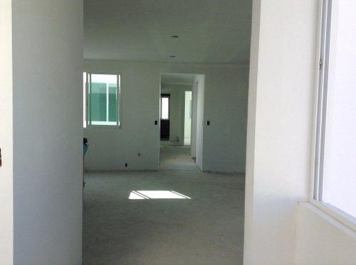 estrene amplio departamento en edificio con solo 2 pisos