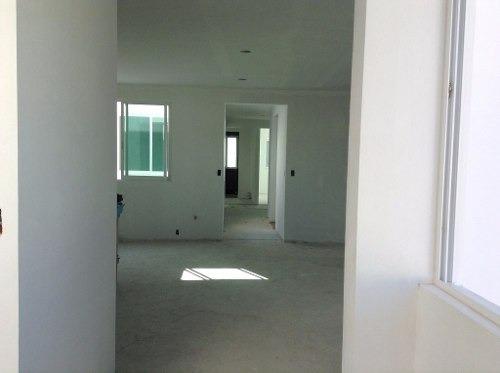 estrene  amplio departamento en edificio con solo dos pisos