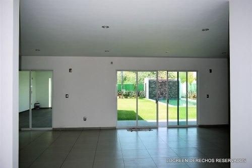 estrene bonita casa con buenos espacios