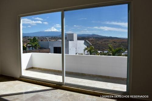 estrene bonita residencia muy amplia y con vista panoramica