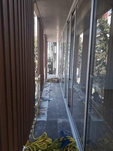 estrene exclusivo departamento exterior en 2 niveles con acabados de lujo