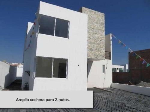 estrene hermosa casa estilo contemporáneo. cuenta con 3 habi