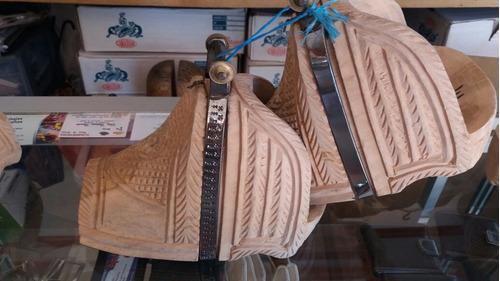 estribos corraleros de madera  hecho a mano