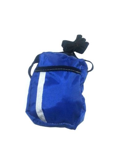 estuche azul para celular con correa tiene 2 bolsillos