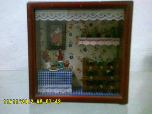 estuche de madera con miniatuiras  la cena  mini