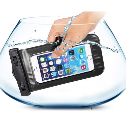 estuche funda bolsa forro celular sumergible en el agua foto