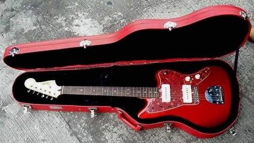 estuche o case para guitarra y bajo eléctrico.