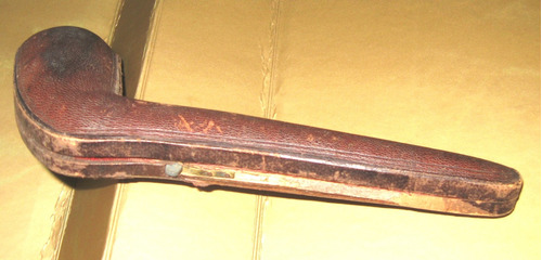 estuche porta pipa madera revestido en cuero