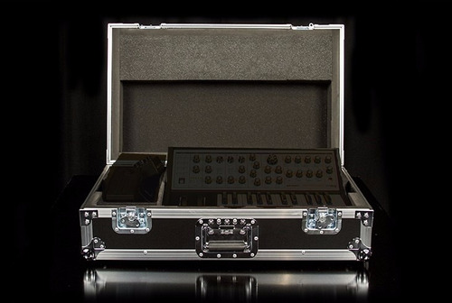 estuche rack case ata sub phatty moog original audiotecna