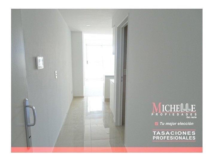 estudio profesional / oficina - 2 baños - toilette de recepcion - zona de alto crecimiento