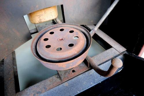 estufa antigua a kerosene.sutil impecable