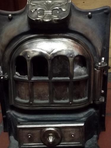 estufa estilo francés con partes de bronce