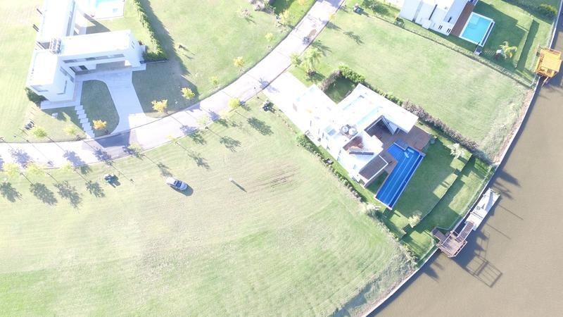 estupenda casa al río con muelle - albanueva
