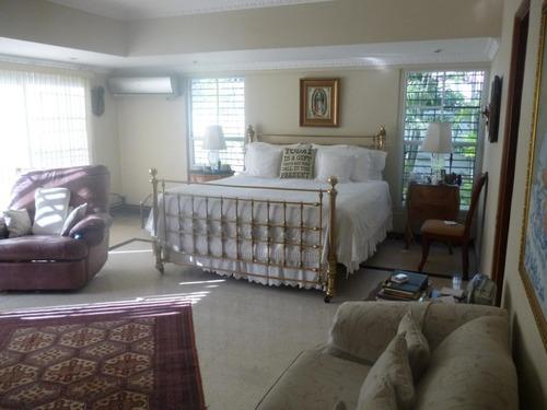 estupenda casa en venta en altos del golf panamá cv