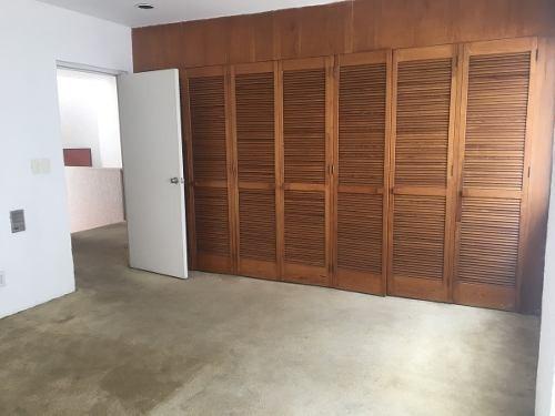 estupenda casa para actualizar en paseo de la reforma lomas de chapultepec