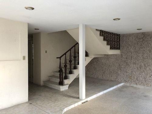 estupenda casa sobre  aguilas con uso de suelo comercial