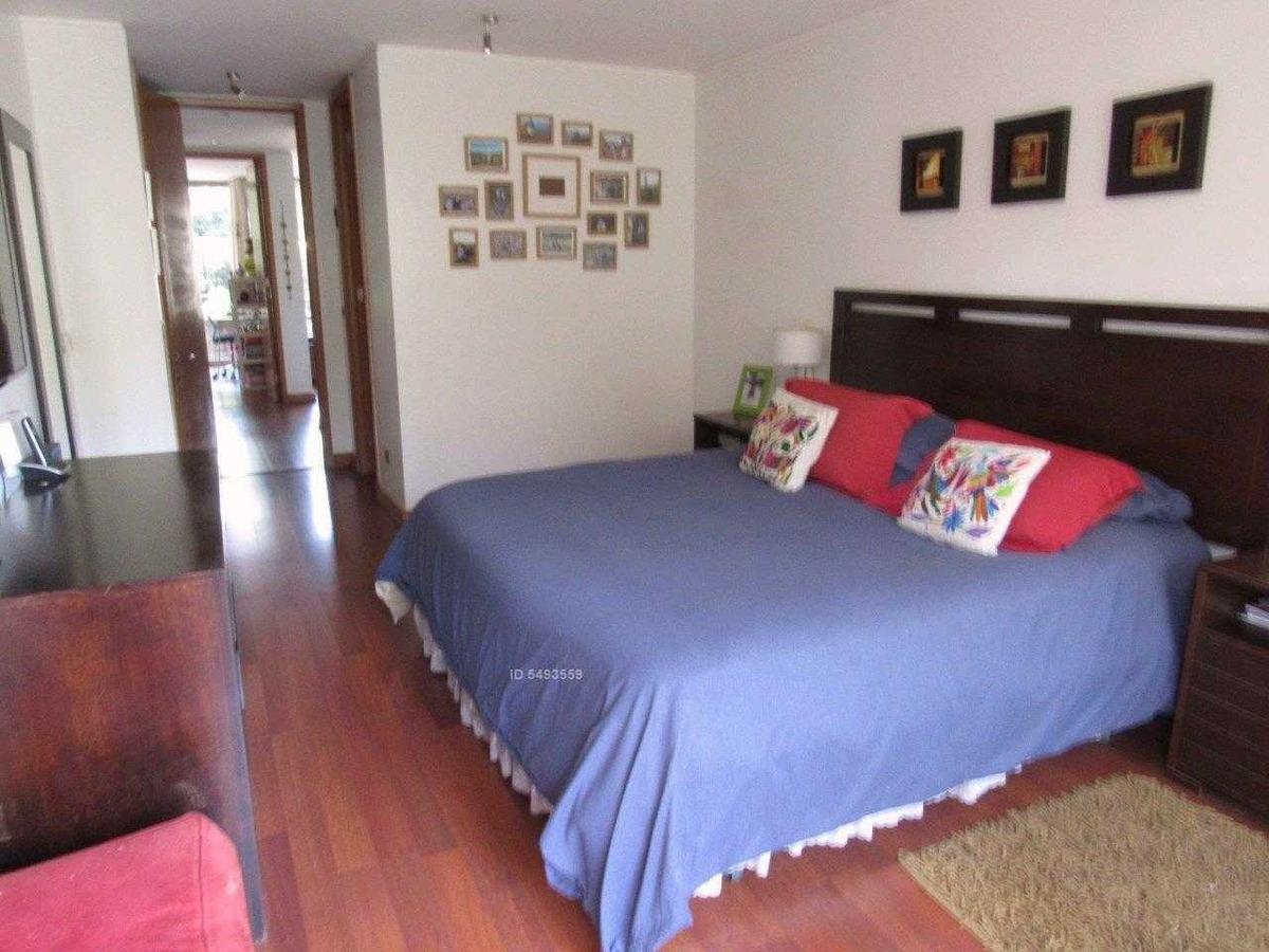 estupendo, 5 dormitorios, 2 sala de estar, servicios, 4 estacionamientos, piscina, gimnasio