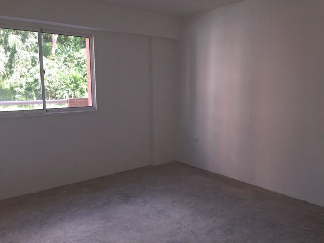 estupendo apartamento a estrenar, con gimnasio, piscina.....