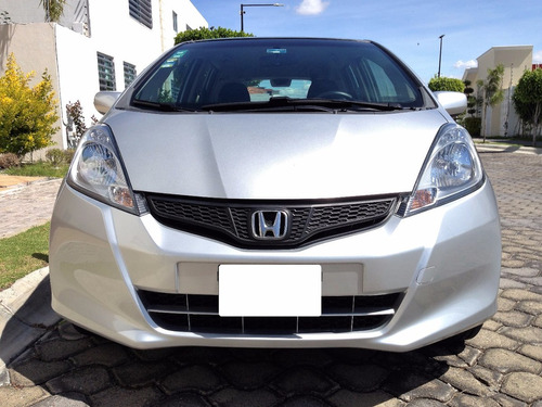 estupendo automovil honda fit lx 2013