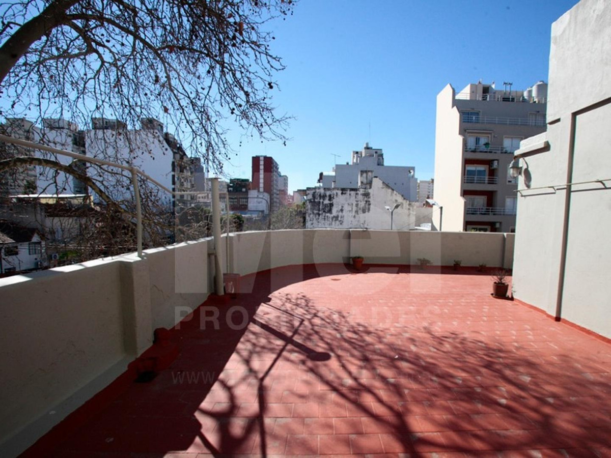 estupendo ph 4 amb - enorme terraza - sin expensas