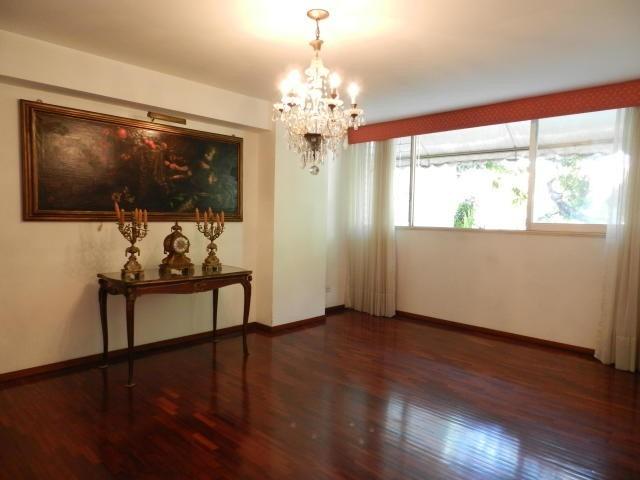 estupendo y amplio apartamento de 258 mts2 para remodelar!!