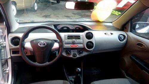 etios sedan 1.5 xs ( ideal para uber ) sem entrada