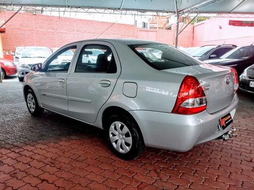 etios sedan x 1.5 flex
