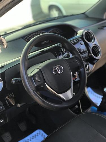 etios sedan xs 2015