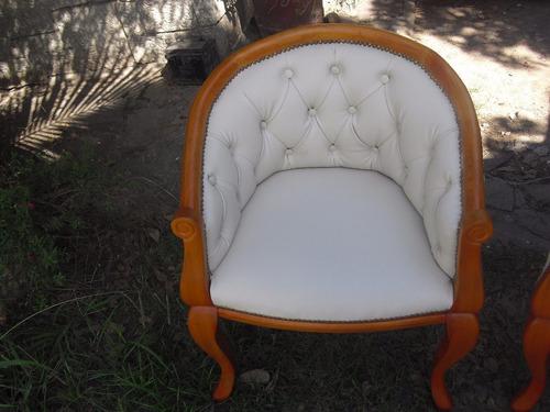 eva sillon reina ana con capitonee ,tapizado en eco-cuer
