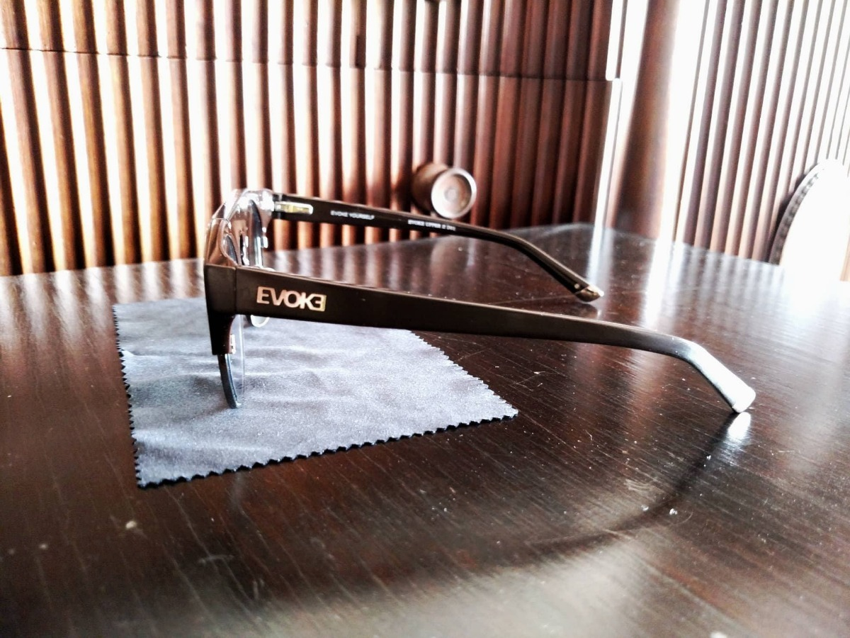 Carregando zoom... 2 óculos evoke upper 2 original lentes grau transition  ... 90c981ebdf