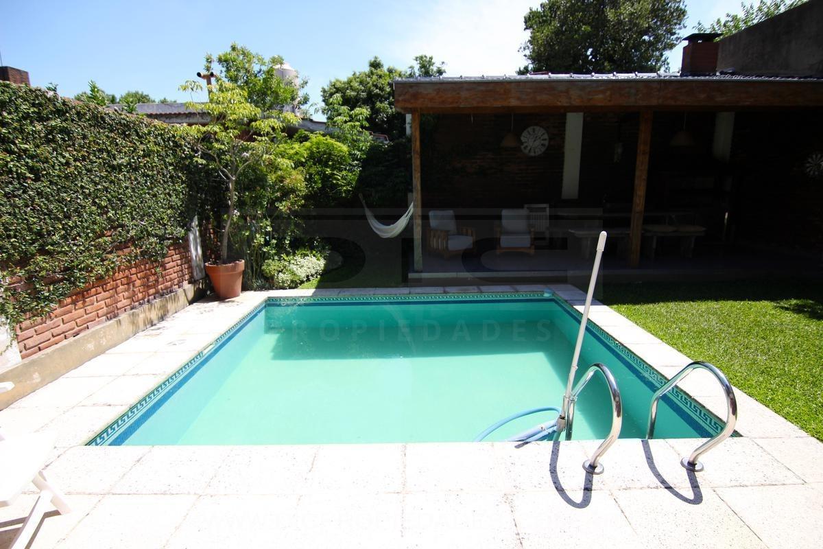 exc casa 2 plantas c/suite   2 dorm y piscina climatizada, boulogne