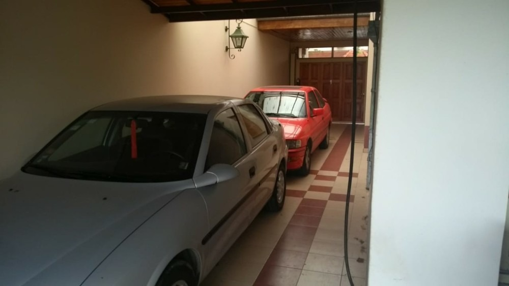 exc. chalet, 6 amb. s/lote 400 m2,  castelar,muy residencial