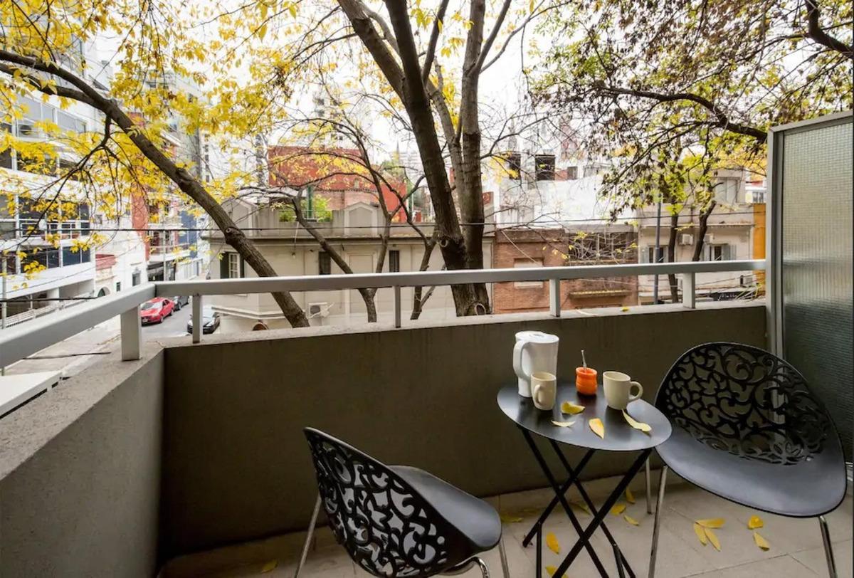 exc monoambiente amoblado con balcón