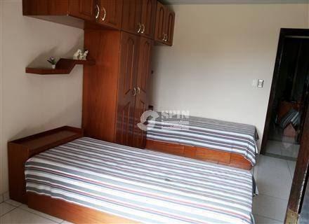 exc res (2 casas), 4 salas, 4 suítes com closet (1 com hidro), 3 cozinhas quintal com árvores frutíferas, piscina. - ca0218