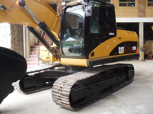 excavadora 320d  caterpillar 2011